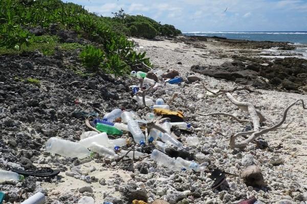 Plastic pollution in the Chagos Archipelago